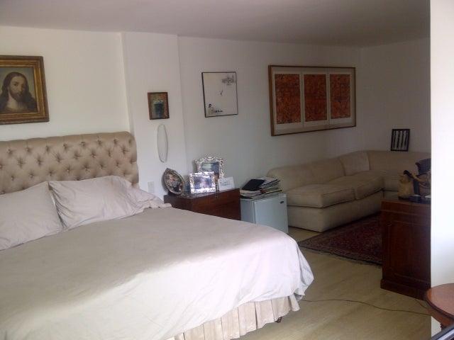 Casa Distrito Metropolitano>Caracas>Prados del Este - Venta:845.000.000 Bolivares Fuertes - codigo: 16-17580