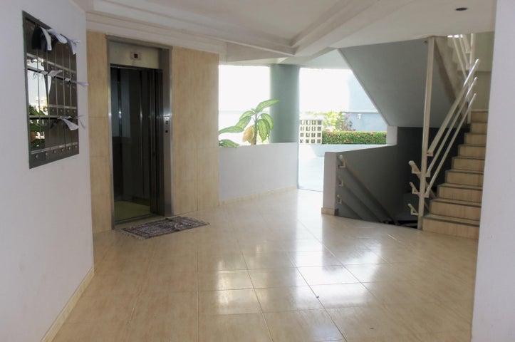 Apartamento Vargas>Parroquia Caraballeda>Tanaguarena - Alquiler:145.000 Bolivares Fuertes - codigo: 16-17602