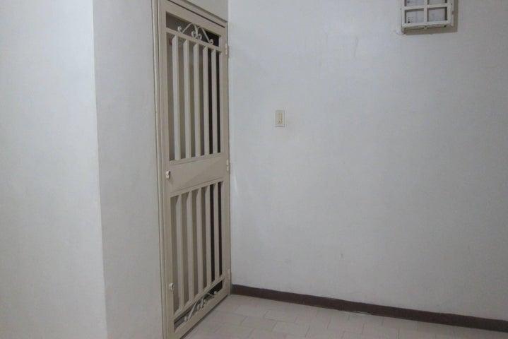 Apartamento Miranda>Charallave>Centro de Charallave - Venta:46.145.000.000 Bolivares Fuertes - codigo: 16-17621