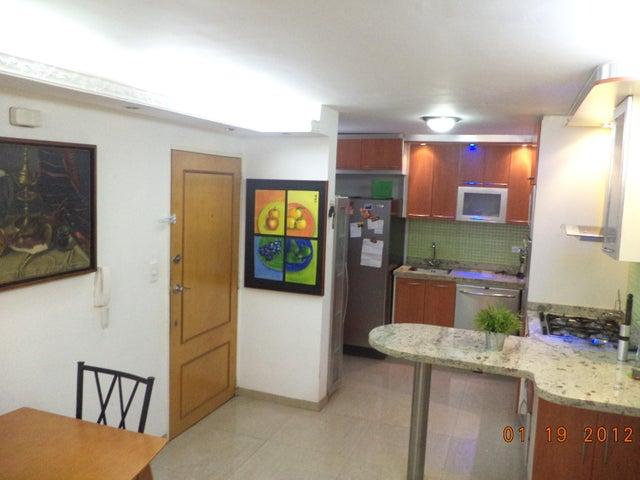 Apartamento Distrito Metropolitano>Caracas>Colinas de La Tahona - Venta:35.768.000.000 Bolivares Fuertes - codigo: 16-17625