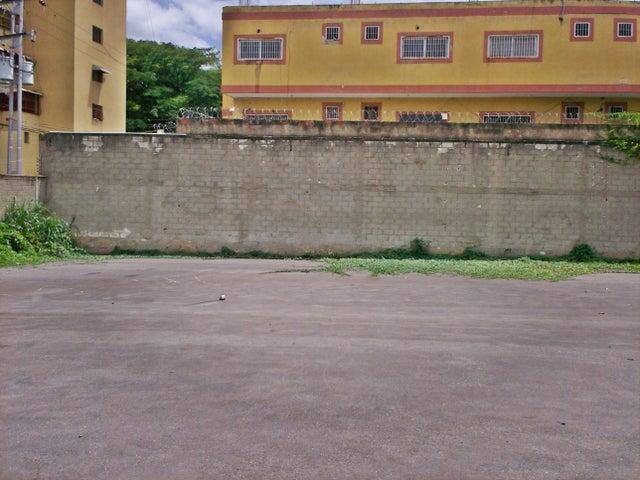 Terreno Aragua>La Victoria>Avenida Victoria - Venta:44.894.000.000 Precio Referencial - codigo: 16-17674
