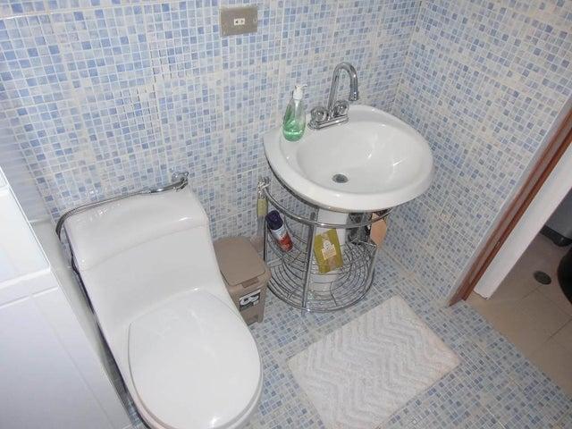 Apartamento Vargas>Parroquia Caraballeda>Caribe - Venta:13.436.000.000 Precio Referencial - codigo: 16-17707