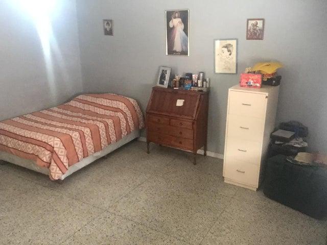 Casa Distrito Metropolitano>Caracas>Vista Alegre - Venta:106.616.000.000 Precio Referencial - codigo: 16-17767