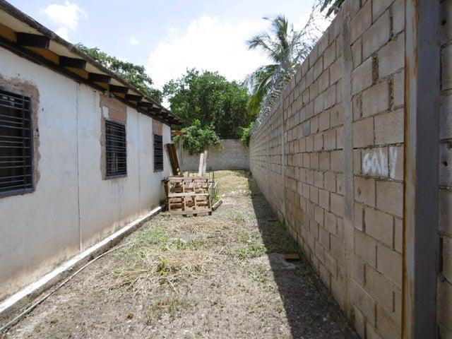 Casa Aragua>Palo Negro>La Esperanza - Venta:18.000.000 Bolivares - codigo: 16-17834