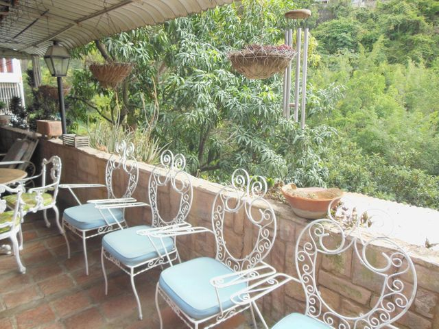 Casa Distrito Metropolitano>Caracas>Colinas de Santa Monica - Venta:600.000 Precio Referencial - codigo: 16-17941
