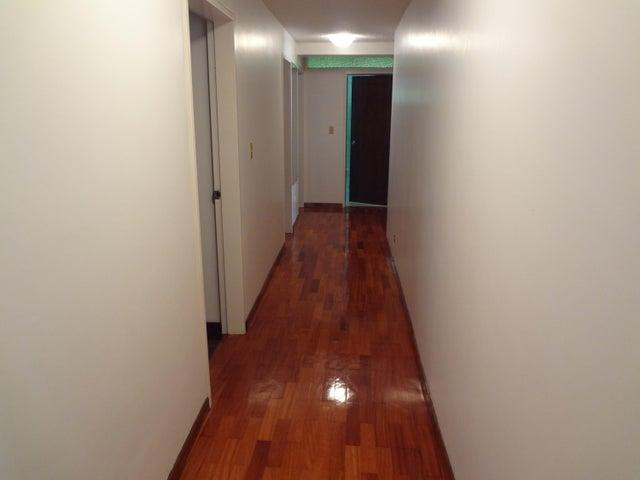 Apartamento Distrito Metropolitano>Caracas>Lomas de Las Mercedes - Venta:190.000 US Dollar - codigo: 16-18226