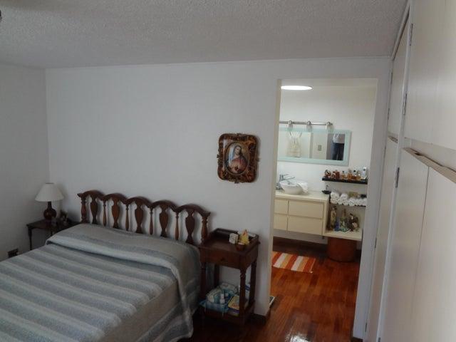 Apartamento Distrito Metropolitano>Caracas>Lomas de Las Mercedes - Venta:140.000 US Dollar - codigo: 16-18226
