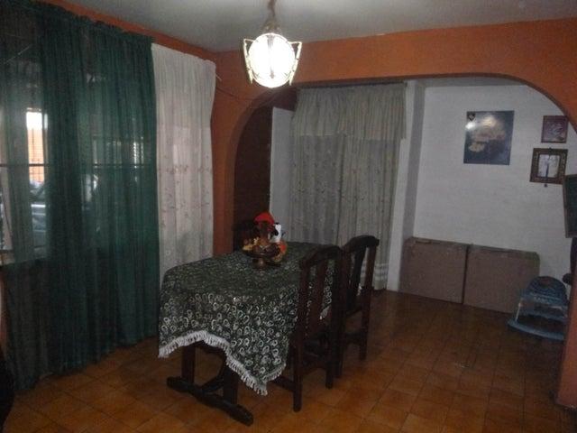 Casa Miranda>Guatire>Valle Arriba - Venta:5.503.000 Precio Referencial - codigo: 16-18271