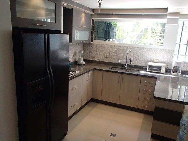 Apartamento Distrito Metropolitano>Caracas>El Cafetal - Venta:100.000 Precio Referencial - codigo: 16-18272