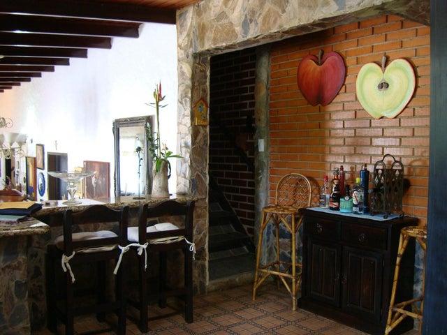 Casa Aragua>Maracay>El Castaño - Venta:141.406.000.000  - codigo: 16-18386
