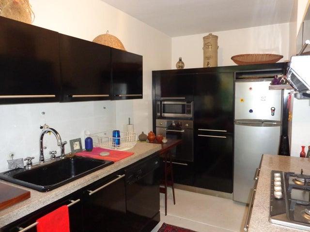 Apartamento Distrito Metropolitano>Caracas>Altamira - Venta:483.874.000.000 Precio Referencial - codigo: 16-18467