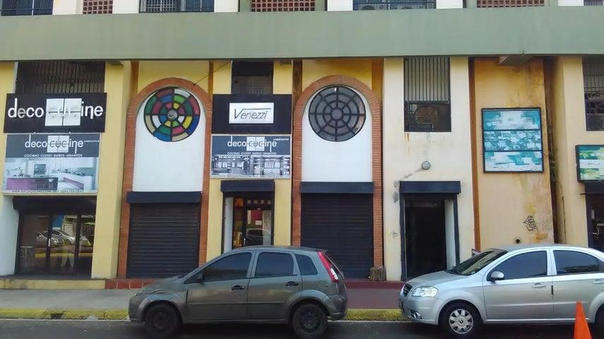 Local Comercial Zulia>Maracaibo>Padilla - Venta:3.692.000.000 Bolivares - codigo: 16-18516