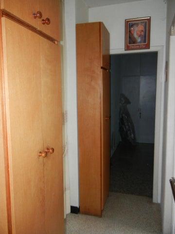 Apartamento Distrito Metropolitano>Caracas>Los Dos Caminos - Venta:11.307.000.000 Bolivares Fuertes - codigo: 16-17091