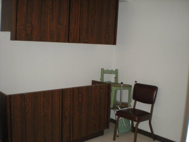 Apartamento Distrito Metropolitano>Caracas>Prado Humboldt - Venta:24.895.000.000 Bolivares Fuertes - codigo: 15-8503
