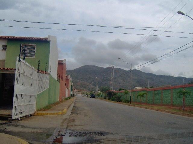 Townhouse Nueva Esparta>Margarita>Avenida Juan Bautista Arismendi - Venta:22.000 Precio Referencial - codigo: 16-18929