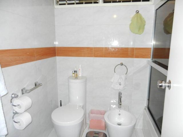 Apartamento Distrito Metropolitano>Caracas>San Roman - Venta:900.000 Precio Referencial - codigo: 16-18982