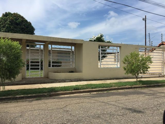Casa Zulia>Ciudad Ojeda>Tamare - Venta:45.000 US Dollar - codigo: 16-19353