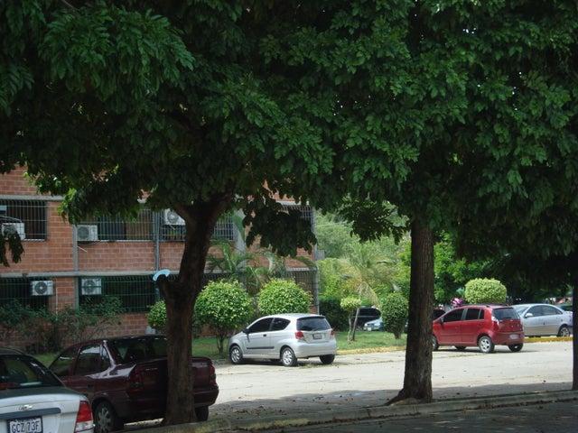 Apartamento Miranda>Guarenas>Nueva Casarapa - Venta:9.781.000.000 Precio Referencial - codigo: 16-19354