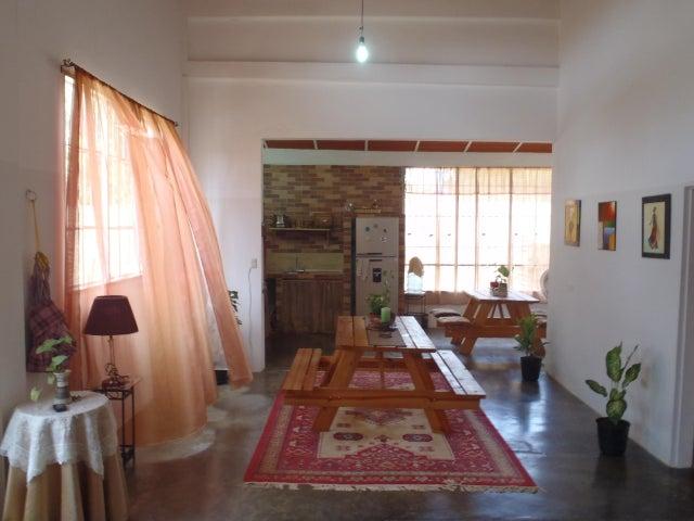 Casa Miranda>Rio Chico>Los Apamates - Venta:6.000 Precio Referencial - codigo: 16-19752