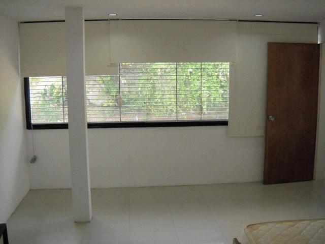 Casa Distrito Metropolitano>Caracas>El Cafetal - Venta:300.000 US Dollar - codigo: 16-19840