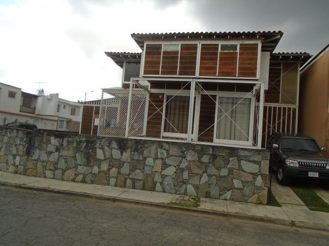 Casa Miranda>San Antonio de los Altos>Los Castores - Venta:250.000 Precio Referencial - codigo: 16-20014