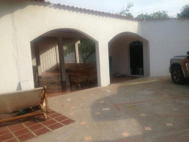 Casa Falcon>Punto Fijo>Zarabon - Venta:13.535.000.000 Bolivares - codigo: 16-20066