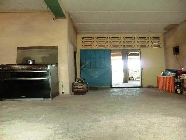 Casa Vargas>Catia La Mar>Playa Verde - Venta:2.624.000 Precio Referencial - codigo: 16-20081