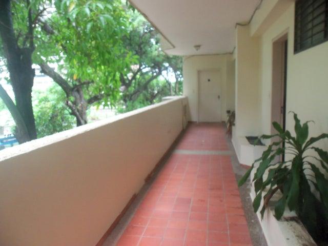 Apartamento Vargas>Parroquia Naiguata>Camuri Grande - Venta:7.050.000.000 Bolivares Fuertes - codigo: 16-20091
