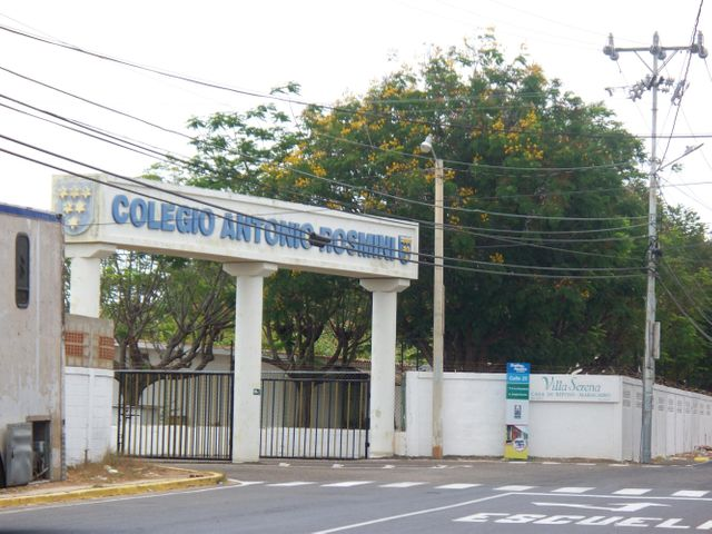 Townhouse Zulia>Maracaibo>Avenida Milagro Norte - Venta:100.000 US Dollar - codigo: 17-86