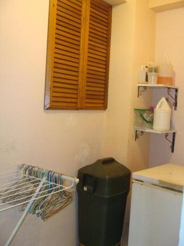 Casa Miranda>Guatire>Valle Arriba - Venta:35.000 US Dollar - codigo: 16-15377