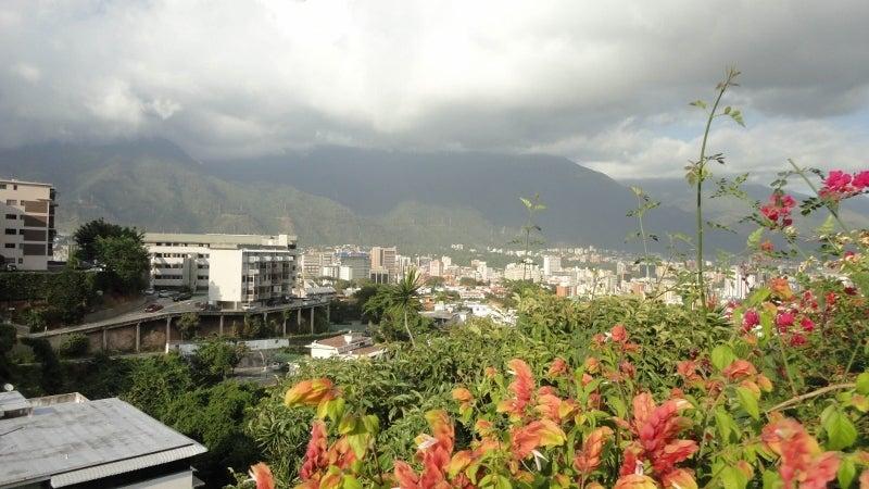 Casa Distrito Metropolitano>Caracas>Colinas de Bello Monte - Venta:380.000 Precio Referencial - codigo: 17-343