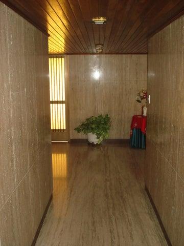 Apartamento Distrito Metropolitano>Caracas>Montalban III - Venta:65.000 Precio Referencial - codigo: 17-376