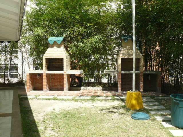 Apartamento Distrito Metropolitano>Caracas>Miravila - Venta:38.000 US Dollar - codigo: 17-691
