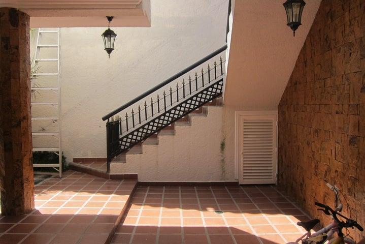 Casa Miranda>Charallave>Charallave Country - Venta:11.564.000 Precio Referencial - codigo: 17-929