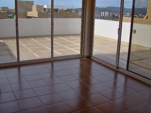 Apartamento Nueva Esparta>Margarita>Playa el Angel - Venta:90.000 Precio Referencial - codigo: 17-824
