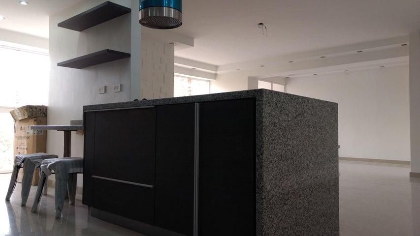 Apartamento Distrito Metropolitano>Caracas>Santa Paula - Venta:180.000 Precio Referencial - codigo: 17-907