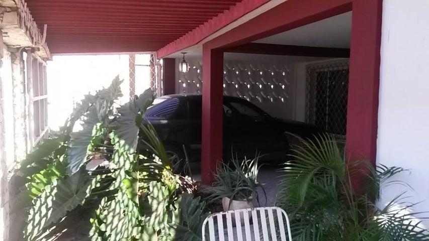Casa Zulia>Maracaibo>Sabaneta - Venta:8.000 Precio Referencial - codigo: 17-915