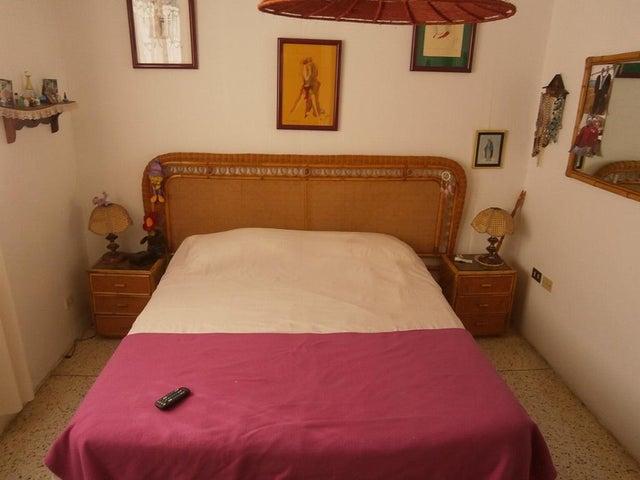 Apartamento Distrito Metropolitano>Caracas>Santa Paula - Venta:140.000 Precio Referencial - codigo: 17-1263