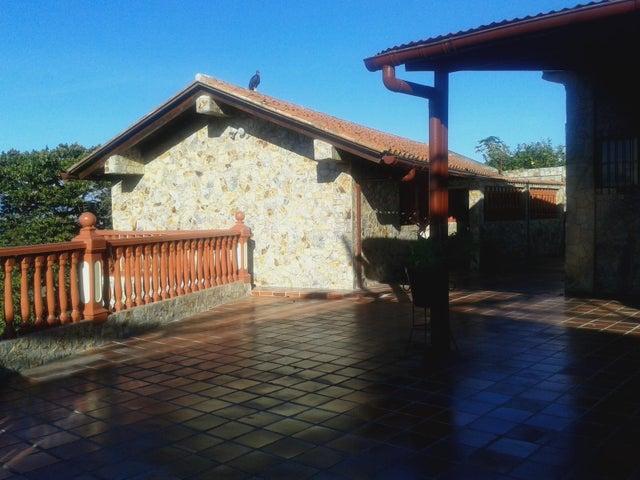 Casa Distrito Metropolitano>Caracas>Monte Claro - Venta:100.000 US Dollar - codigo: 17-2754