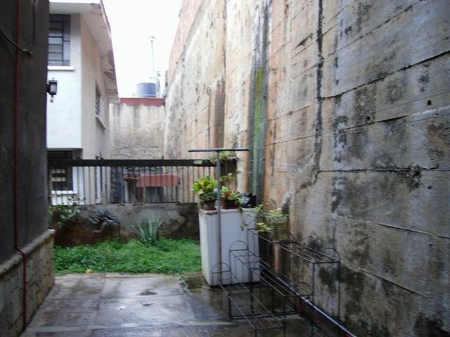 Casa Distrito Metropolitano>Caracas>Colinas de Santa Monica - Venta:160.000 Precio Referencial - codigo: 17-1399