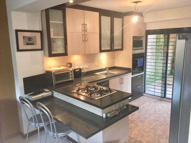 Apartamento Distrito Metropolitano>Caracas>El Hatillo - Venta:110.000 US Dollar - codigo: 17-1745
