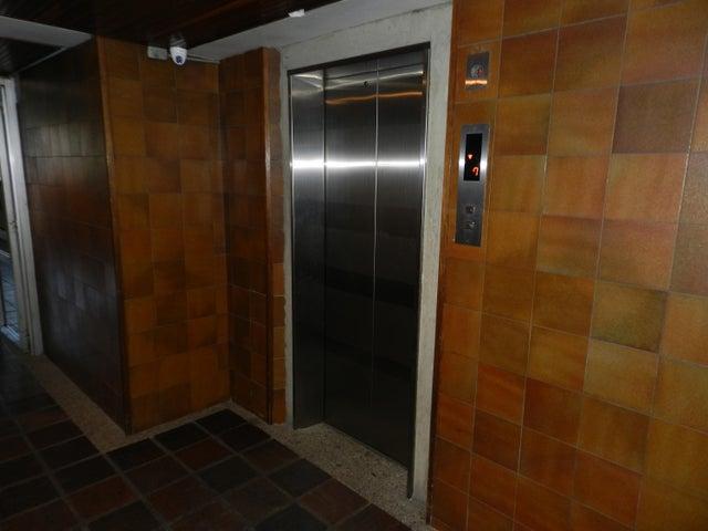Apartamento Distrito Metropolitano>Caracas>Los Dos Caminos - Venta:100.000 US Dollar - codigo: 17-2071