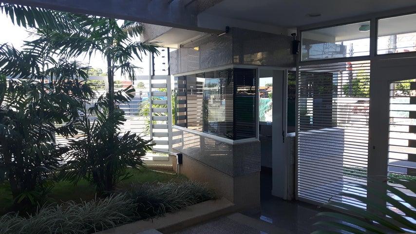 Apartamento Zulia>Maracaibo>Calle 72 - Venta:70.000 US Dollar - codigo: 17-1924