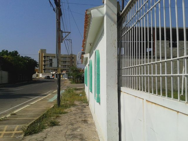 Casa Zulia>Ciudad Ojeda>Plaza Alonso - Venta:47.001.000.000 Bolivares - codigo: 17-1954