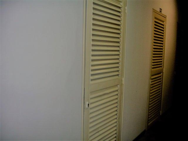 Apartamento Distrito Metropolitano>Caracas>El Hatillo - Venta:56.579.000.000 Bolivares Fuertes - codigo: 17-2047