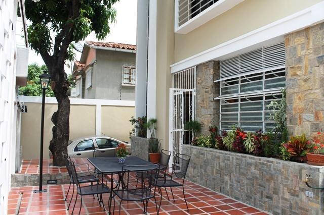 Casa Distrito Metropolitano>Caracas>San Bernardino - Venta:27.692.000.000 Bolivares - codigo: 16-5951