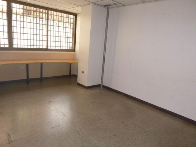Oficina Distrito Metropolitano>Caracas>La Urbina - Alquiler:246.000 Precio Referencial - codigo: 17-2195