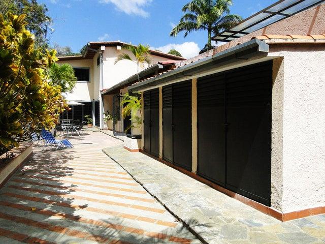 Casa Distrito Metropolitano>Caracas>Prados del Este - Venta:133.946.000.000 Bolivares - codigo: 15-1206