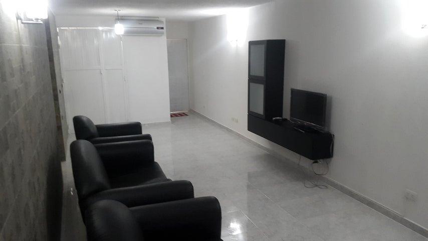 Apartamento Miranda>Guatire>Alto Grande - Venta:8.225.000.000 Bolivares Fuertes - codigo: 16-2816