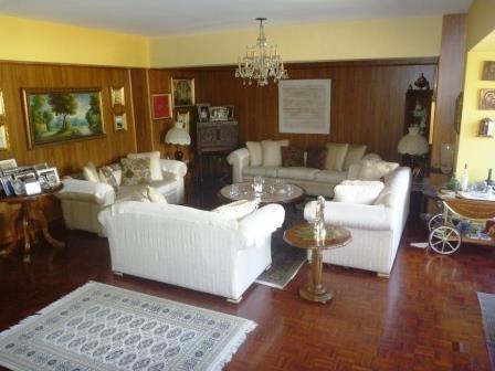 Apartamento Distrito Metropolitano>Caracas>Colinas de La California - Venta:300.000 Precio Referencial - codigo: 17-2684